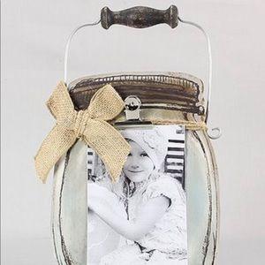Wood jar picture holder